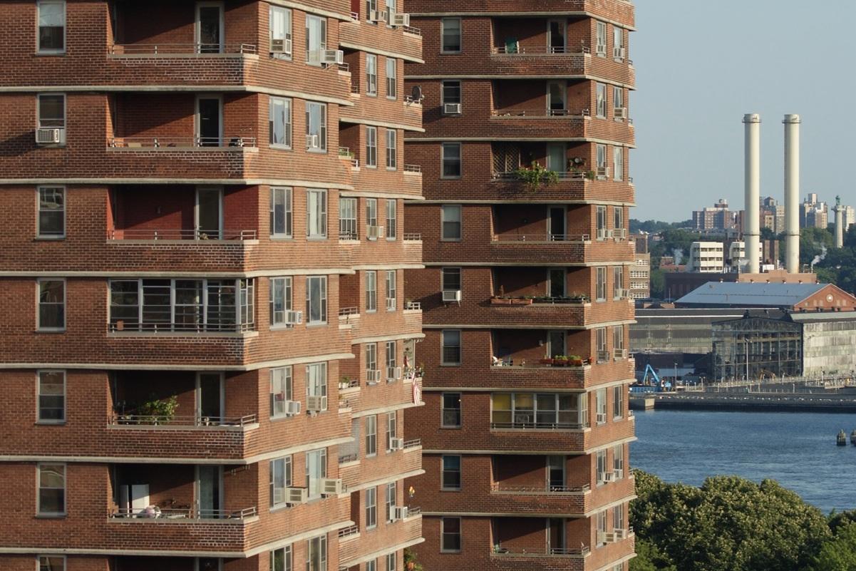 Benjamin Schlesinger Building from rooftop, 550 Grand Street